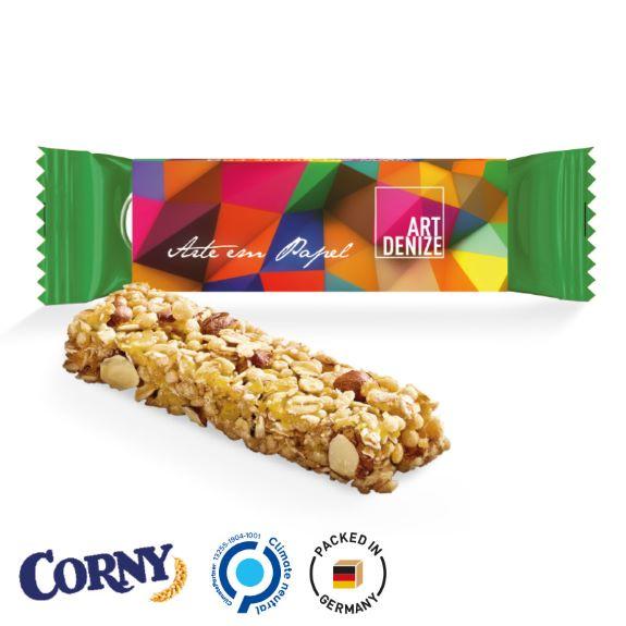 Corny Müsliriegel mit individuell bedrucktem Schuber als Werbeartikel.