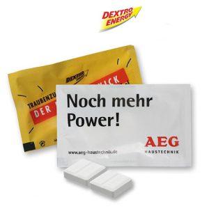 Der Duo Pack Dextro Energy besteht aus zwei Stück Traubenzucker von Dextro Energy mit personalisiertem Werbedruck auf dem Tütchen nach Wunsch.
