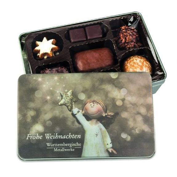 Die Lebkuchen-Mischung ist in einer Geschenkdose aus Metall. Die Dose kann individuell bedruckt werden nach Wunsch. Die Lebkuchenmischung besteht aus 8 verschiedenen Weihnachtsgebäcken.