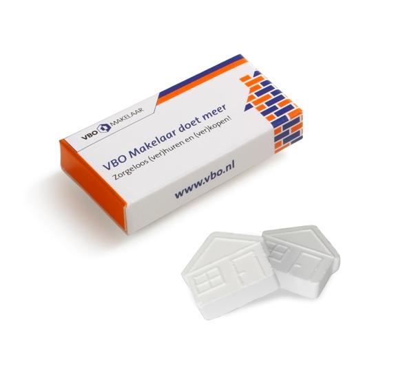 Pfefferminz Häuschen verpackt zu 2 Stück in einer Box. Die Verpackung kann individuell bedruckt werden nach Wunsch. Pfefferminz in Hausform.