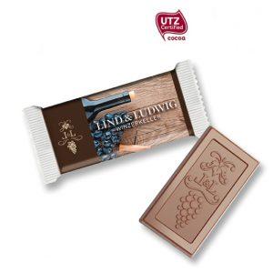 Schoko Täfelchen mit Prägung 5g der Marke Gubor mit individueller Prägung auf der Schokolade und individuellem Druck auf der Folie.