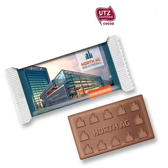 Schoko Täfelchen mit Prägung 40g der Marke Gubor mit individueller Prägung auf der Schokolade und individuellem Druck auf der Folie.