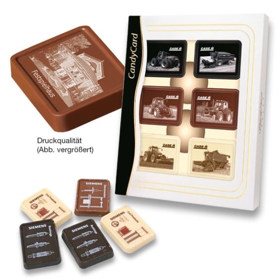 Schoko Täfelchen mit Zuckerdruck 12er sind 12 Täfelchen in einer weißen Box mit ransparentem Sichtfenster. Die Schoko Täfelchen können mit einem Fotodruck versehen werden. Individuell bedruckt direkt auf der Schokoade mit eigenem Foto.