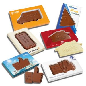 Die Schokotafel Kontur mit Prägung 65g gibt es in vielen Standardformen. Jede Schokotafel Kontur kann individuell geprägt werden nach Wunsch. Ebensoll kann die Verpackung individuell bedruckt werden.