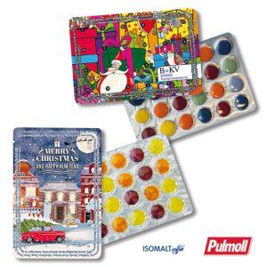 Der Super Mini Kalender ist gefüllt mit Schokolinsen oder Pullmoll Halsbonbons. Der Super Mini Kalender kann individuell bedruckt werden auf dem Blister.