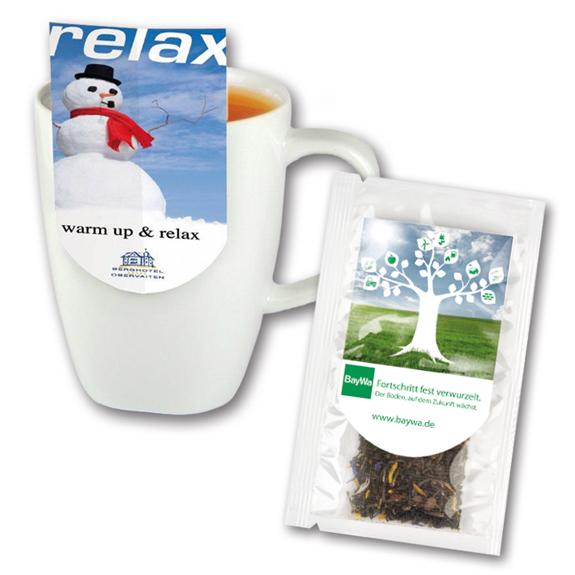 Teebeutel Premium mit Werbereiter individuell bedruckt. Vier verschiedene Geschmackssorten im Teebeutel mit Tassenreiter.