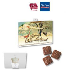 Tischkalender mit individuellem Druck auf Vorder- und Rückseite. Gefüllt mit Gubor Schokolade.