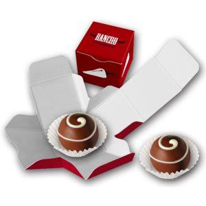 Würfelverpackung gefüllt mit 1 Trüffel. Die Würfelverpackung wird individuell bedruckt.