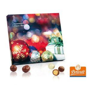 Der XS Adventskalender ist gefüllt mit Knusperkugeln der Marke Brandt. Jeder Adventskalender kann individuell bedruckt werden nach Wunsch.