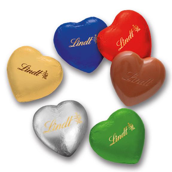 Schoko Herzen Lindt 20g als Herzschokolade. Die Lindt Herzen gibt es in verschiedenen Farben. Große Lindt Herzen mit Lindt Aufdruck.