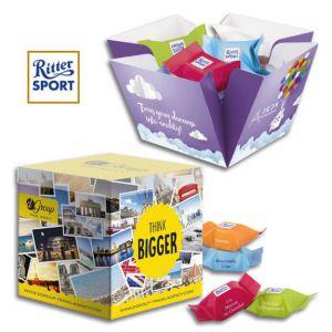 Die Ritter Sport Würfel Präsentbox wird individuell bedruckt auf der Verpackung und auf dem Werbeeinleger.