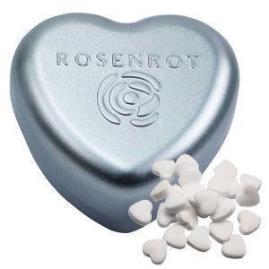 Die Herz Dose mit Prägung ist gefüllt mit zuckerfreien Pfefferminzherzen oder Traubenzucker Herzen in Zitronengeschmack. Die Herz Dose wird individuell geprägt auf dem Deckel