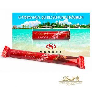 Der Lindt Lindor Stick ist aus Milchschokolade der Marke Lindt Lindor. Ein Lindt Lindor Stick ist verpackt in einer Werbekarte die invidividuell bedruckt werden kann nach Wunsch..