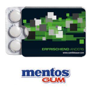 Der Mentos Gum Blister ist gefüllt mit 12 Stück Mentos Kaugummi. Das Blister ist verpackt im Werbeschuber. Der Werbeschuber kann individuell bedruckt werden nach Wunsch und Vorlage.