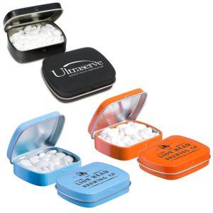 Pfefferminz Klappdose mini gefüllt mit 23g Pfefferminzpastillen. Die Klappdose gibt es in vielen verschiedenen Dosenfarben. Jede Klappdose wird individuell bedruckt nach Wunsch.