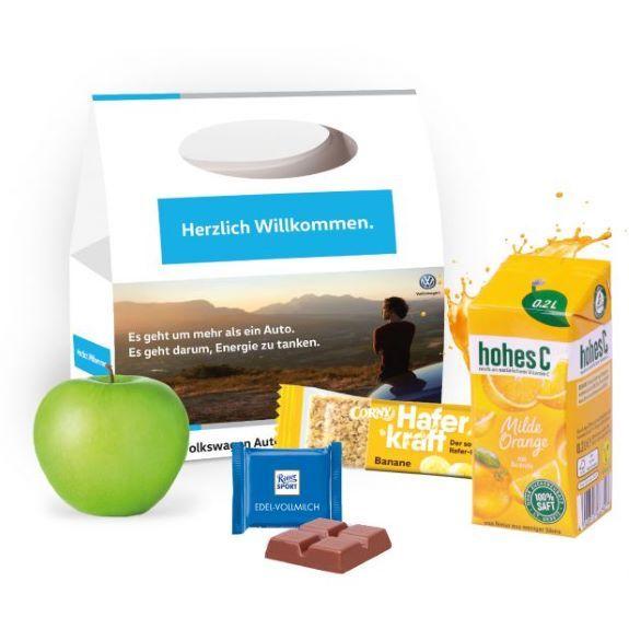 Snack Pack Werbebox individuell bedruckt als Werbeartikel und gefüllt mit Vitaminen und Süßigkeiten.