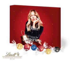 Der Adventskalender ist gefüllt mit Lindt Lindor Pralinés. Der Kalender kann individuell bedruckt werden und ist recyclebar.