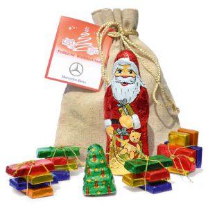 Das Nikolaus Säckchen ist gefüllt mit einem Nikolaus und einer Mischung aus Fairtrade Schokolade. Eine Werbekarte kann individuell bedruckt werden.