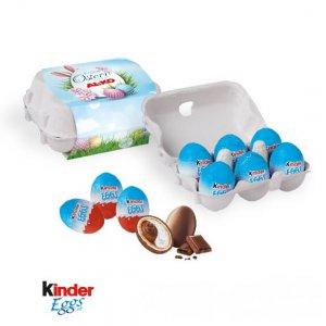 6 Kinder Eggs im Eierkarton mit einer individuell bedruckten Werbebanderole.